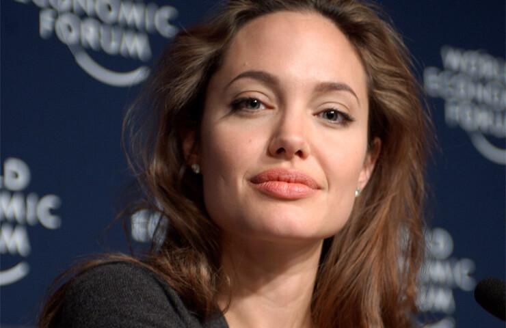 Biografía Angelina Jolie