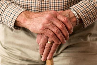 Infografia pension promedio versus anos cotizados