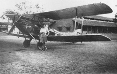 Otros records de la aventurera aviadora