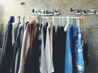 Razones para comprar ropa de segunda mano