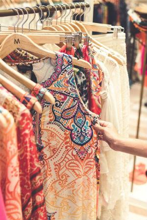 Usar ropa de segunada mano por ecologismo y conciencia ambiental