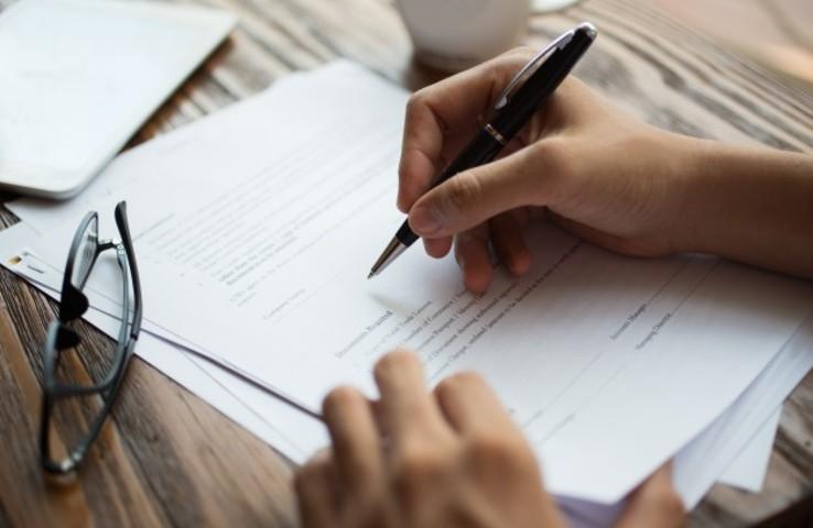 Modelo de escrito comunicar baja voluntaria